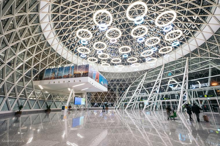 A marokkói Menara Repülőtér számtalan gyönyörű építészeti megoldás birtokosa, például ennek az üvegkupolának