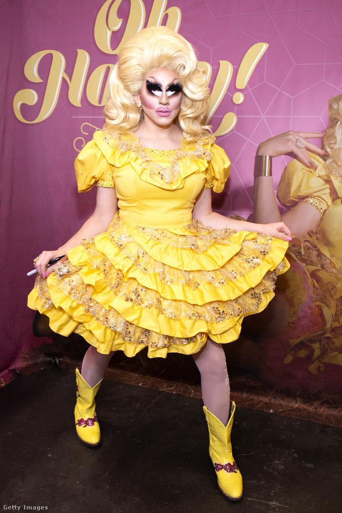 Trixie Mattel a Drag Race-ből kikerült egyik legnagyobb sztár, aki például mindig ilyen túltolt Barbie-smikben ad elő