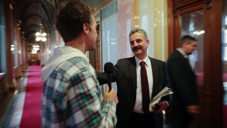Bámulatos kreativitással védik Orbán magánrepülőzését a fideszesek