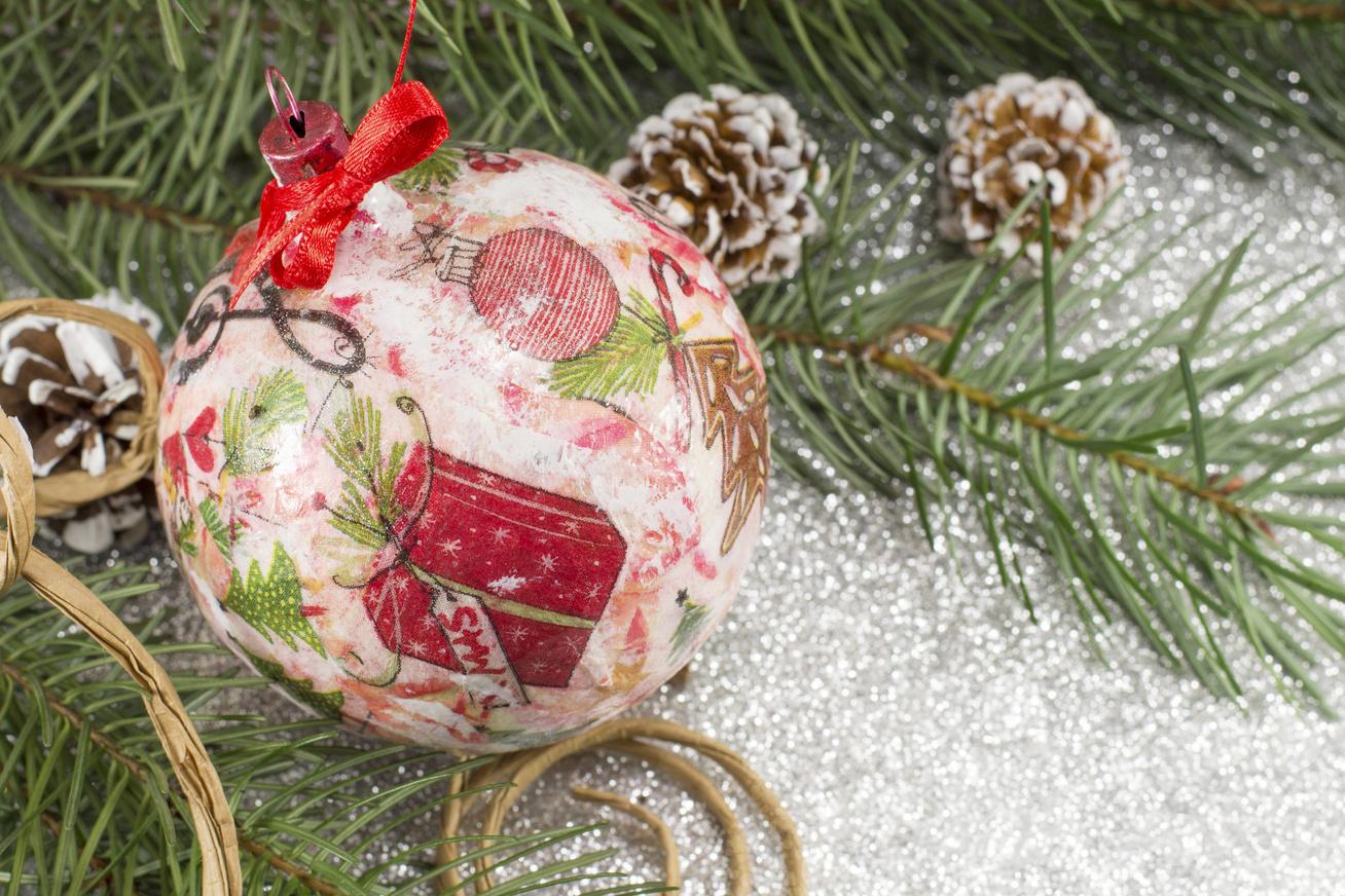 dekupázs karácsonyfadísz