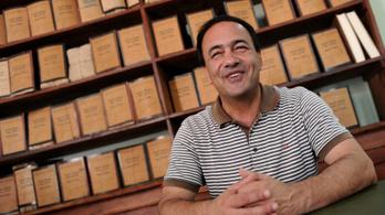 Őrizetbe vettek egy olasz polgármestert, mert illegális bevándorlóknak segített