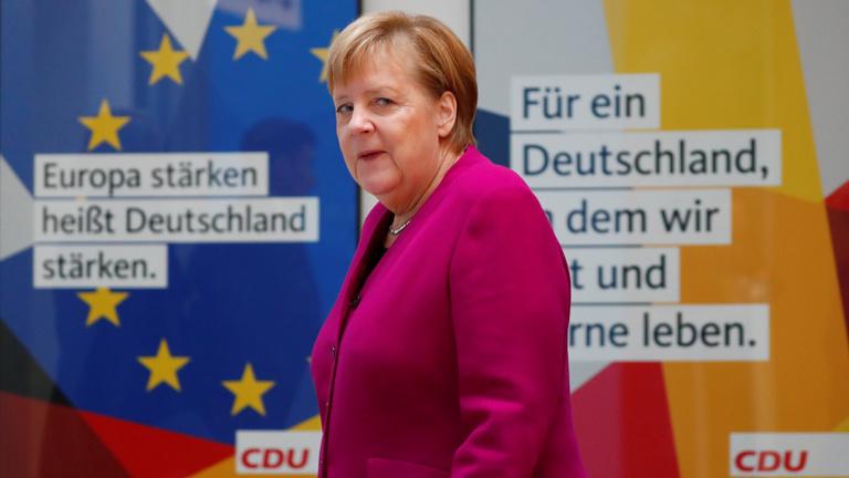 Senki sem tudja, mi jár Merkel fejében