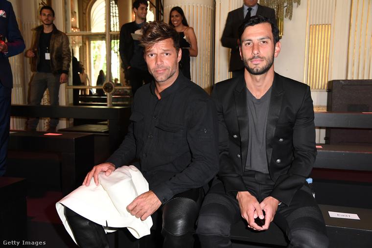 Ricky Martin 2017 novemberében eljegyezte, majd 2018 januárjában, teljes titokban össze is házasodott festőművész barátjával, Jwan Yoseffel