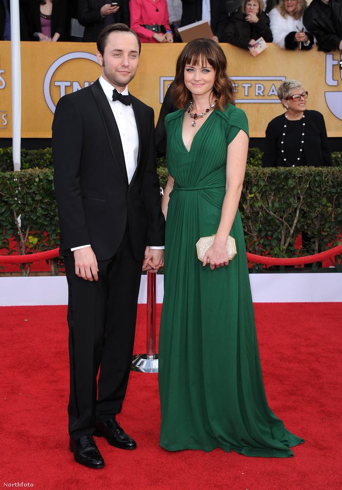 Alexis Bledelt főként a Szívek szállodájából ismerhetik az emberek, akik annak ellenére, hogy látták felnőni a színésznőt a képernyőn, az esküvőjéről csak utólag szerezhettek tudomást