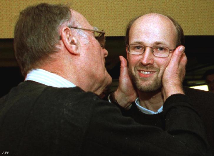 Ingvar Kamprad és fia Peter (jobbra) 1999. március 22-én