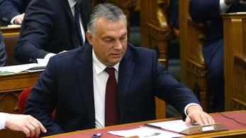 A mentelmi bizottság elé került Orbán magánrepülőzése
