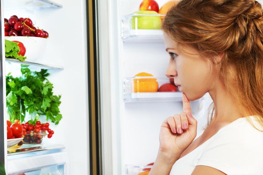 Egyszerű trükkök a büdös hűtő szagtalanítására: könnyebb, mint gondolnád