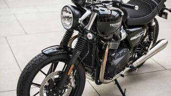 Megvadította a Triumph a 900-as retró motorjait