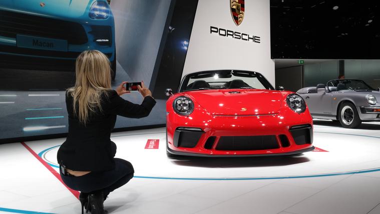 A Porsche tudja, mi fán terem az elegancia