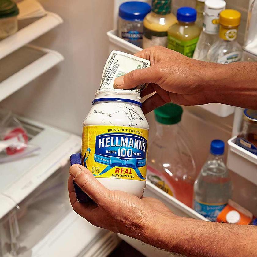 Valószínűleg egyik betörő sem a hűtő kipakolásával kezdené a rablást.