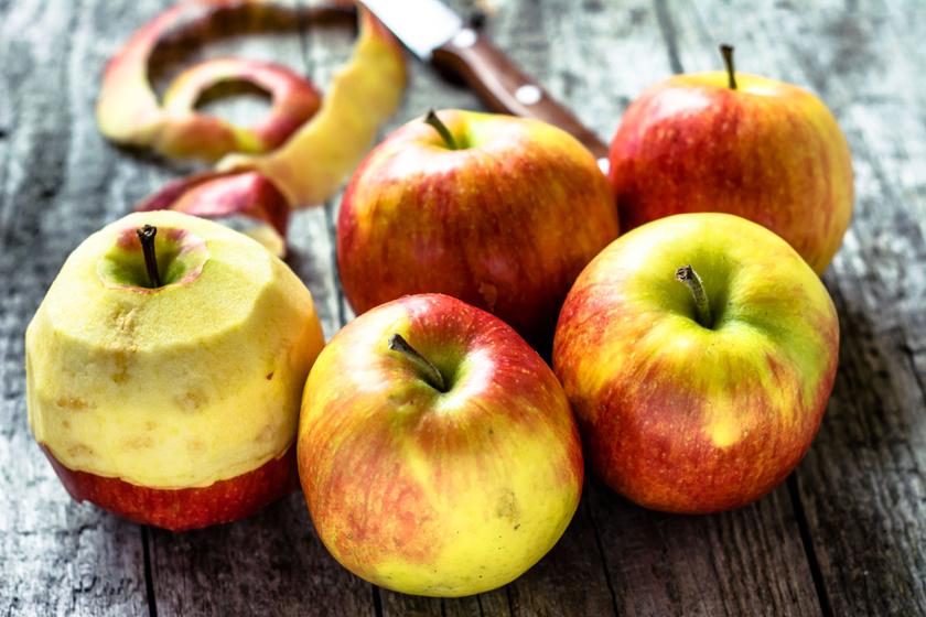 Az alma tele van ásványi anyagokkal, vitaminokkal és rostokkal, melyek segítik a fogyást, ráadásul 85%-a víz.