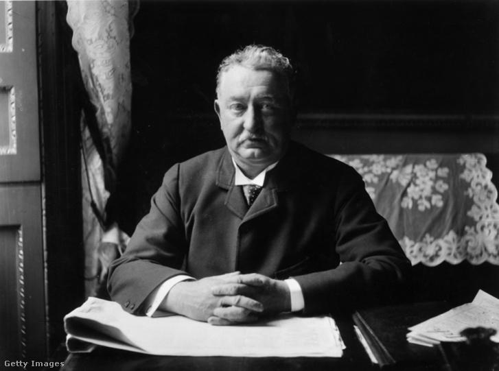 Cecil John Rhodes (1853 - 1902)