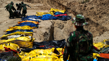 Már több mint 1400 áldozata van az indonéz földrengésnek