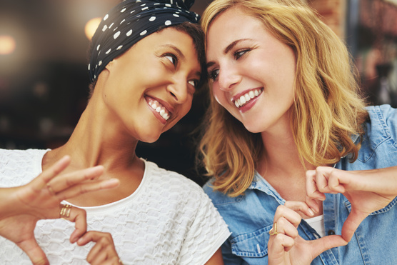 Erőszakmentes és őszinte kommunikációval tudtok tanulni önmagatokról, a másikról és a kapcsolatról.