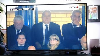 Schmidt Máriával, Csányival és egy török üzletemberrel nézi Orbán a Vidi-meccset