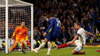 Kovács lábában maradt az egyenlítő gól a Chelsea ellen