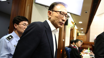 15 év börtönt kapott a dél-koreai exelnök
