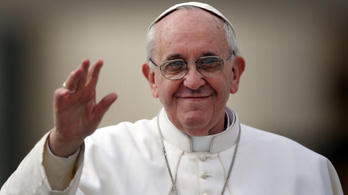 A GVH azt vizsgálja, tényleg megáldotta-e a pápa az Ékszer TV-ben árult termékeket