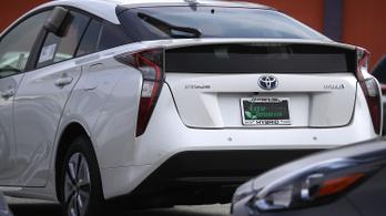 2,4 millió hibrid Toyotát hívnak vissza ellenőrzésre