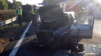 Szembement a forgalommal az M7-esen egy autós, karambol lett a vége