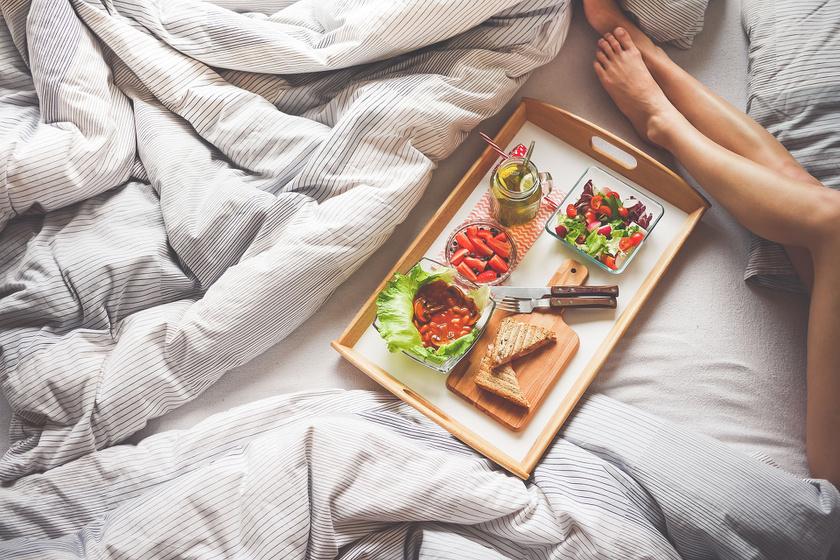 Reggelizz mindennap. Egy tanulmány szerint 78%-a azoknak, akik több mint egy éven át megőrizték a súlyukat, mindennap evett reggelit.