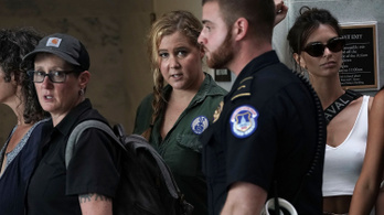 A Túl szexi lány szereplőit is letartóztatták a Kavanaugh elleni tüntetésen