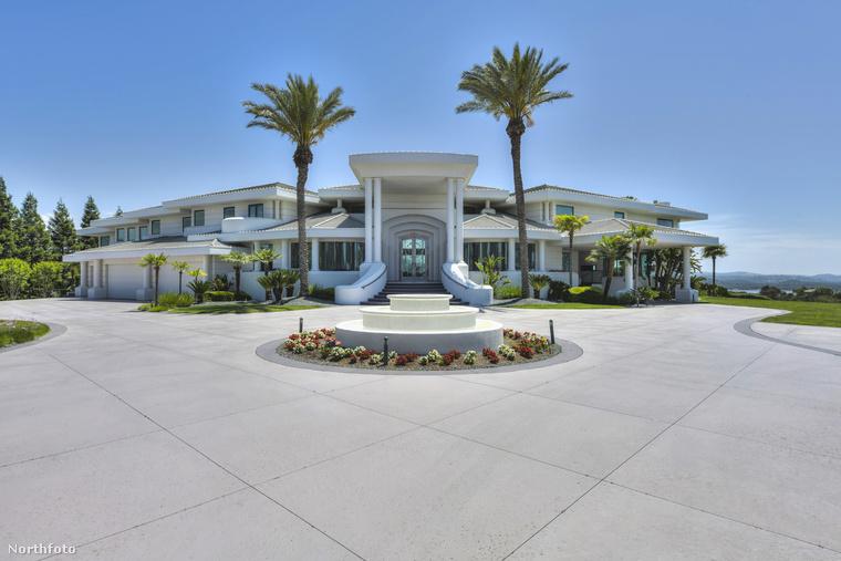 Hát nézzük, hogyan tombol a luxus és a jóízlés ebben a valóságos palotában!