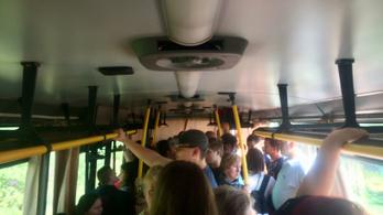 Úgy néz ki egy Békés megyei busz péntek délután, mint egy indiai