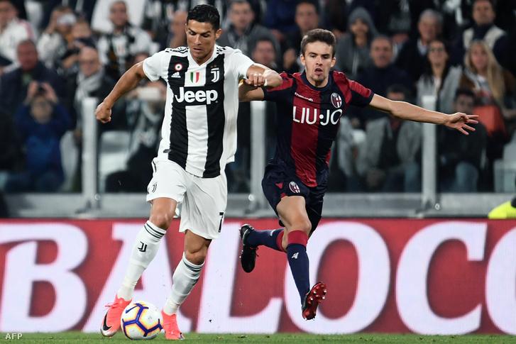 Cristiano Ronaldo és Nagy Ádám a Juventus - Bologna mérkőzésen 2018. szeptember 26-án.