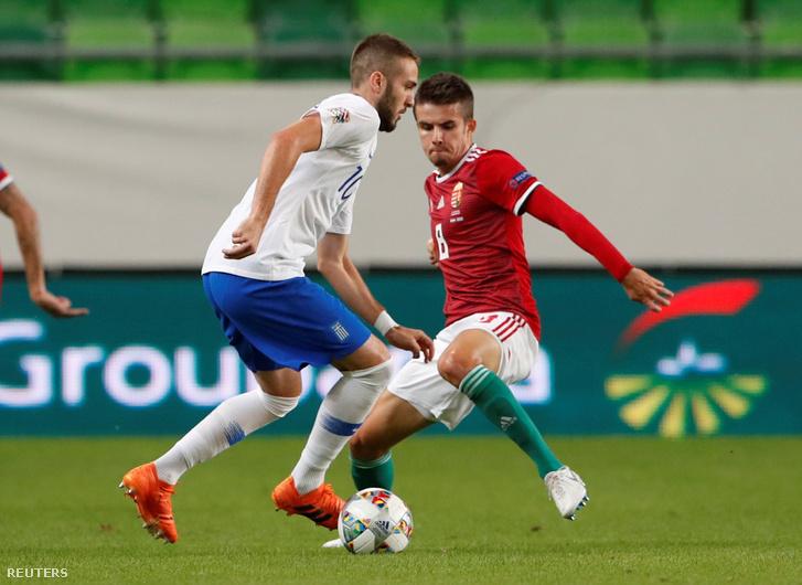 Nagy Ádám és Konstantinos Fortounis a Magyarország - Görögország mérkőzésen a Groupama Arénában 2018. szeptember 11-én.