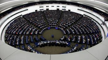 Brüsszel áfát csökkentene, ami a Fidesz szerint adóemelés!