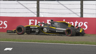 Hamilton az eső után is odavert a Ferrarinak a megszakított edzésen