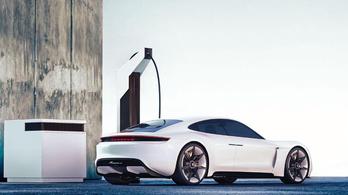Kétszer gyorsabb töltéssel előzné a Porsche a Teslát