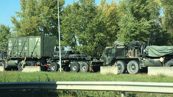 Külföldi csapatok haladnak át konvojban az országon a hétvégén