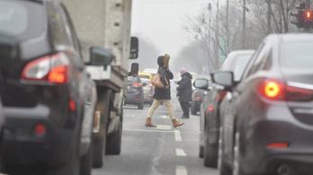A német kormány mindenképpen rávenné az autógyártókat a dízelek utólagos átalakítására