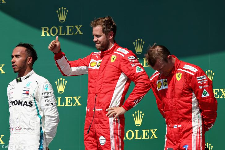 Sebastian Vettel, Lewis Hamilton és Kimi Raikonnen a a Brit Nagydíj dobogóján 2018. július 8-án.