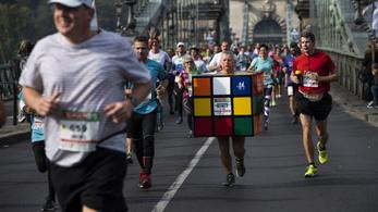 Több mint 14 ezren futottak vasárnap a budapesti maratonon