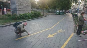 Már nyoma sincs a semmiből felfestett parkolóhelyeknek az Erzsébet téren