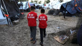 A görög rendőrség szerint nincsenek dzsihadisták a görögországi menekülttáborokban