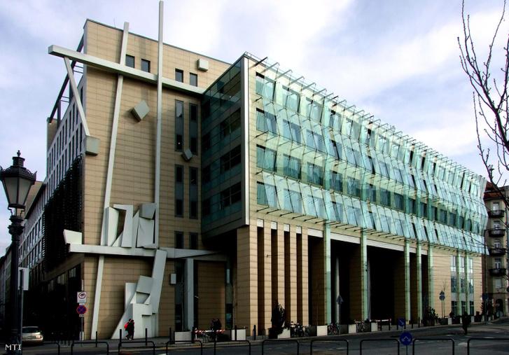 A Corvinus Egyetem Közraktár utcai épülete