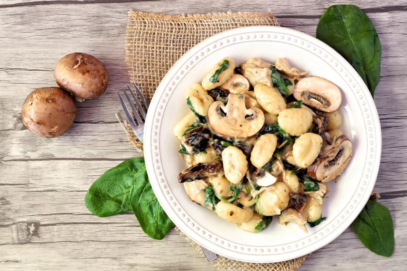 Igazi olasz gnocchi sok gombával és csirkével: a tésztát sem nehéz elkészíteni