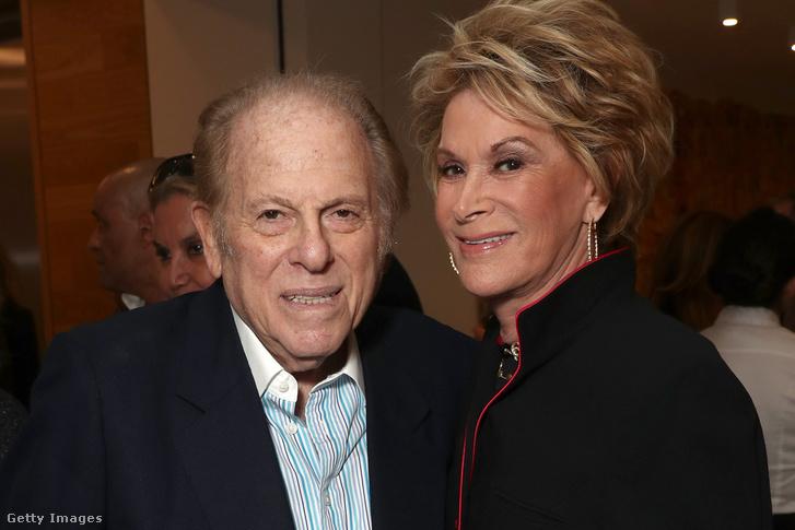 Arnold Kopelson és felesége 2017-ben