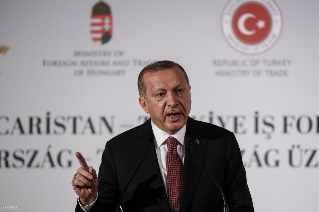 Recep Tayyip Erdogan török államfő a Magyar Nemzeti Kereskedőház Magyarország-Törökország Üzleti Fórumán