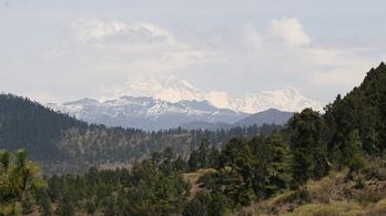 Van olyan hegy a Földön, amit még sosem másztak meg?