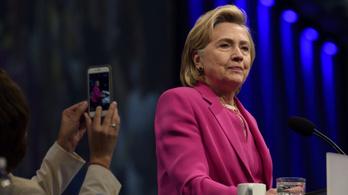 Hillary Clinton elítéli a brit konzervatívokat a Sargentini-jelentés miatt
