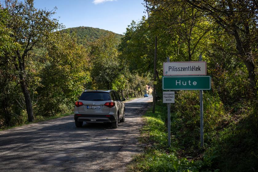 Remek társunk volt a szerpentines utakon a stabil fekvésű, biztonságos Vitara.