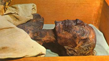 A fáraó a halála után 3200 évvel útlevelet kapott