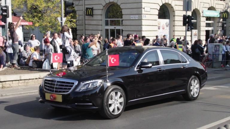 Lefagyott a város, mikor Erdogan átment Budára