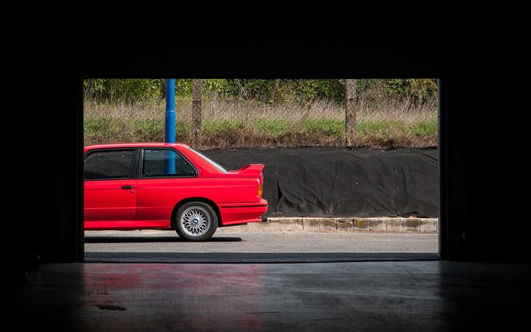 Rengetegen rajonganak az E30 M3-ért