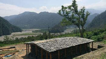Építsünk ősi hegyi kunyhót Tajvanon!